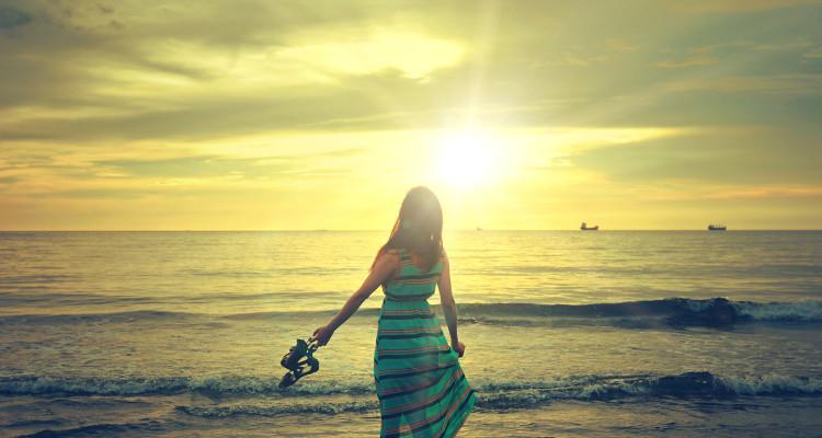 8874947-walk-on-beach