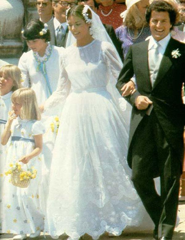 Matrimonio In Giordania : Gli abiti da sposa delle regine e principesse