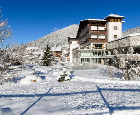 Romantik_Hotel_Post_Cavallino_Bianco_-_Esterno_invernale