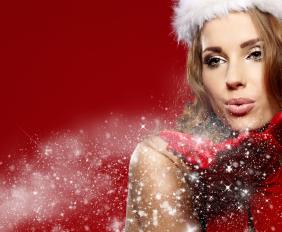 Lady-Santa-Snow