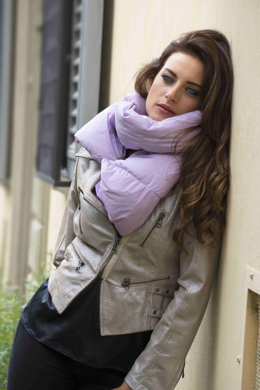 bene elegante e grazioso seleziona per ufficiale Calde sciarpe Cinelli Piume e Piumini - Bella Magazine